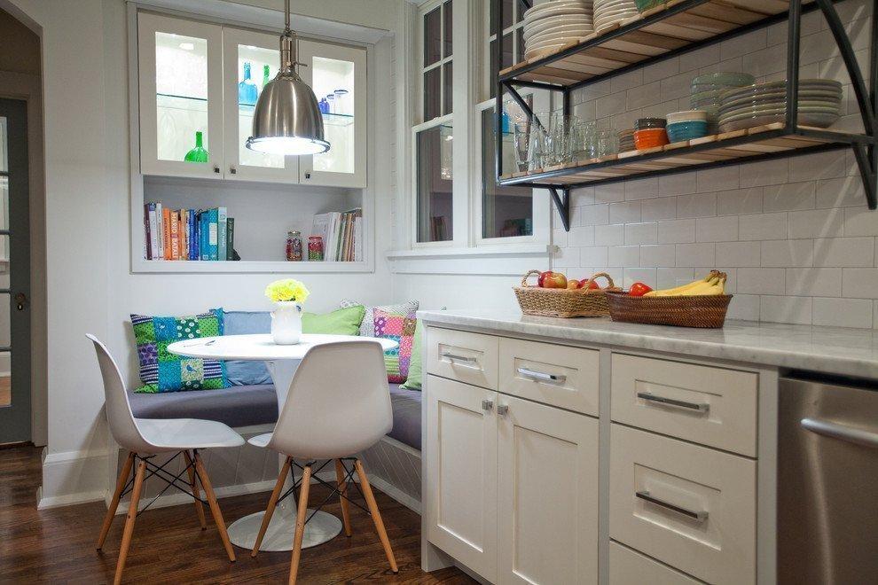 дизайн кухонного уголка с обивкой