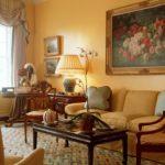 картины в интерьере гостиной аутентичный стиль