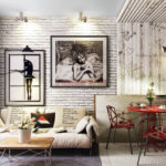 картины в интерьере гостиной по диагонали