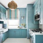 короткие шторы на кухне декор идеи