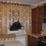 короткие шторы на кухне фото вариантов