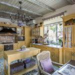 короткие шторы на кухне фото идеи