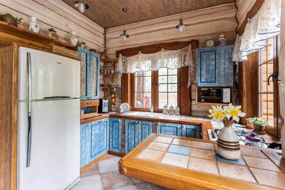 короткие шторы на кухне стиль кантри