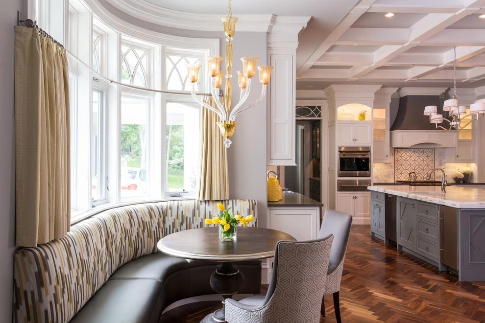 короткие шторы на кухню вид