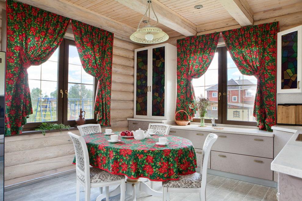 короткие шторы на кухню выбор ткани