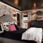 крашеный потолок в спальне