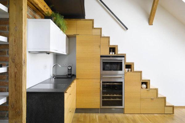 Открытая лестница – это не только быстрый доступ на второй этаж