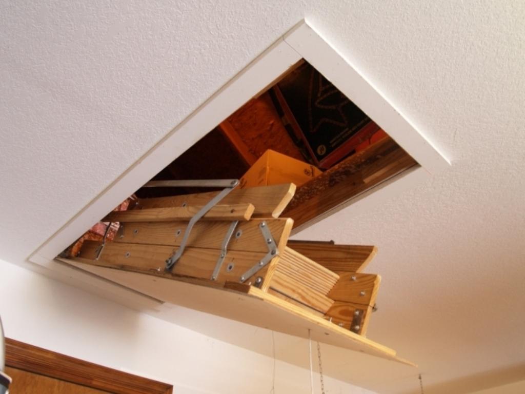 лестница на чердак откидная