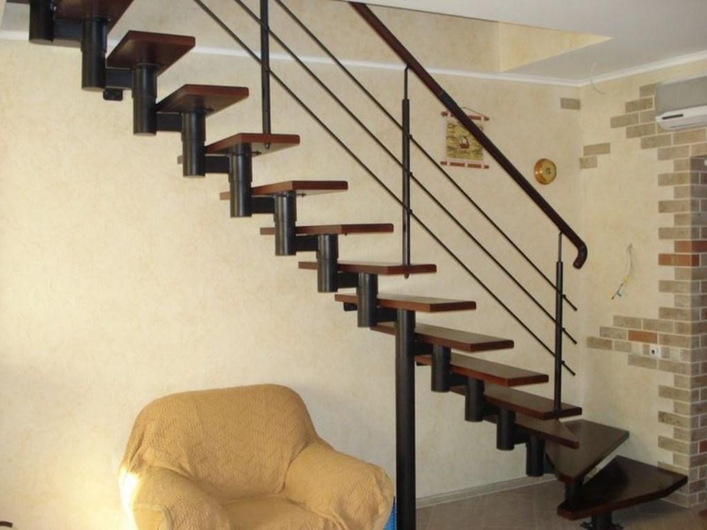 лестница на чердак в доме