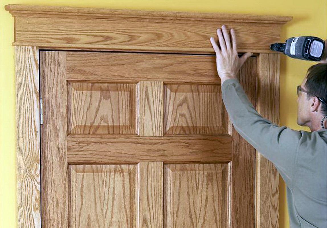 обшивка двери деревом