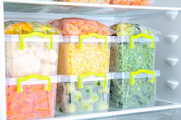 В морозилке холод распределяется как правильно равномерно.