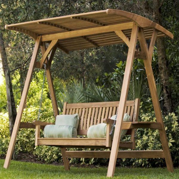 модели из древесины экологичные, безопасные, прекрасно сочетаются с общим видом во дворе, простой монтаж