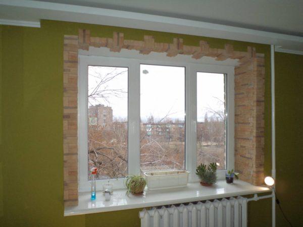 Отделка внутренних откосов окна направлена на увеличение срока его эксплуатации