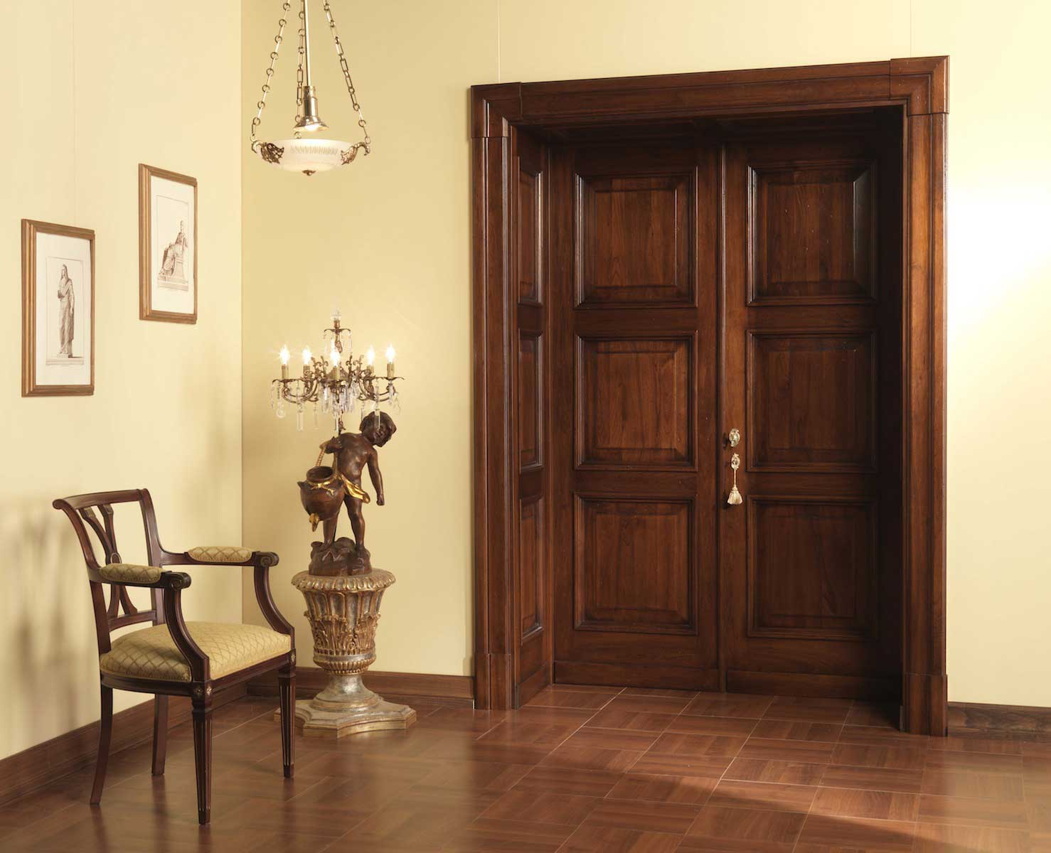 откосы для входных дверей дерево