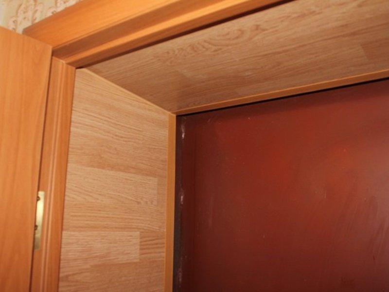откосы на входную дверь из ламината