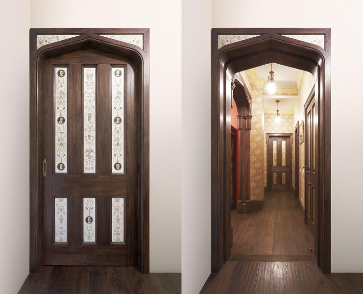 Есть фото на коридор двери с набором