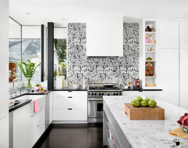 Водостойкие обои рекомендуются для кухни из-за специфики помещения.