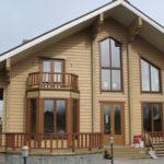 покраска деревянного дома оформление