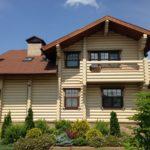 покраска деревянного дома варианты