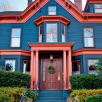 покраска деревянного дома виды декора
