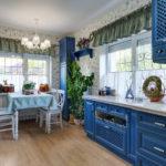 синий кухонный гарнитур декор фото