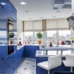 синий кухонный гарнитур интерьер