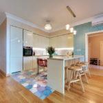 совмещение плитки и ламината на кухне декор идеи