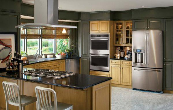 Абсолютно все модели холодильников имеют одинаковые правила установки и требования к размещению
