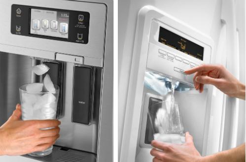 Рефрижератор выдает охлажденную воду, колотый лед и кубики при нажатии на кнопку