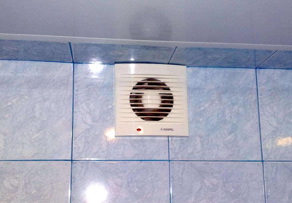 вытяжка в ванную