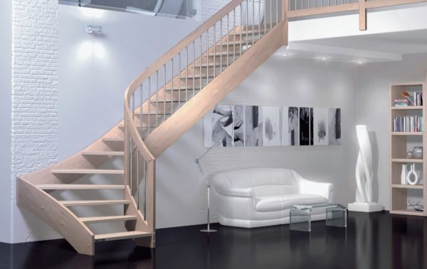 Чаще всего лестницы с забежными ступенями используются п-образного типа.