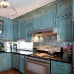 голубая кухня под старину