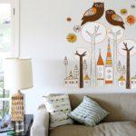 дерево на стене с совами