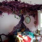 сложный рисунок дерева на стене