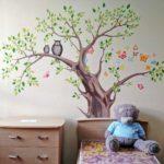рисунок дерева в интерьере детской