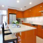 дизайнерская оранжевая кухня
