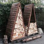 дровяники треугольной формы из дерева