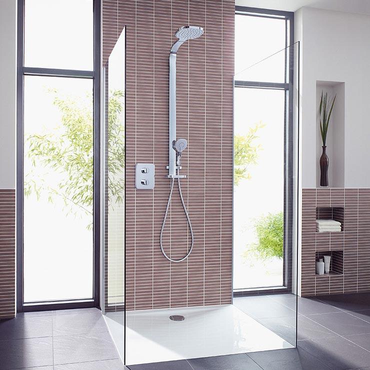 душевая кабина без поддона для просторной ванной комнаты