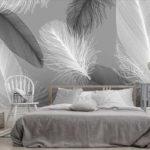 вариант фотообоев для спальни с перьями