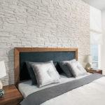 гипсовая плитка над кроватью