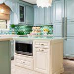 нежно-голубая кухня