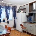 синие шторы для кухни