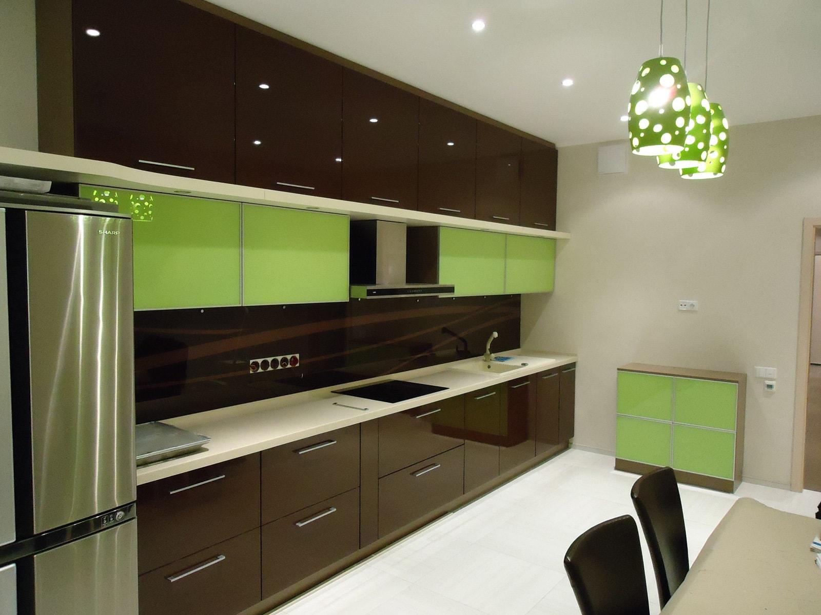 кофейно-зеленая кухня