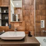 красивая плитка под дерево в ванной