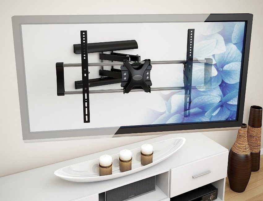 расположение телевизора на стене квартиры
