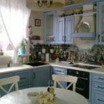 вариант голубой кухни прованс