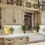 кухня прованс со старинным шкафом