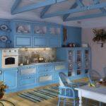 яркая голубая кухня