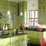 оформление кухни в салатовых тонах
