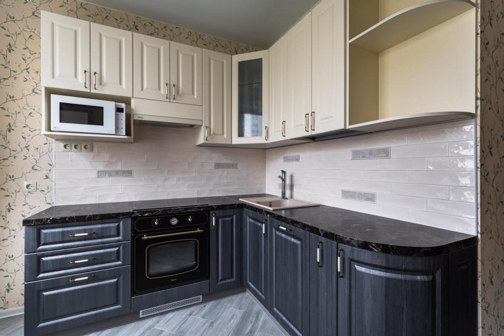 белые шкафы на кухне